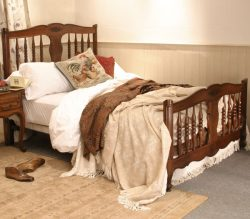 Country & Rustic Antique Beds