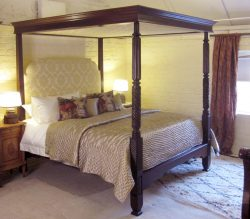 wooden-four-poster-W4P1-a