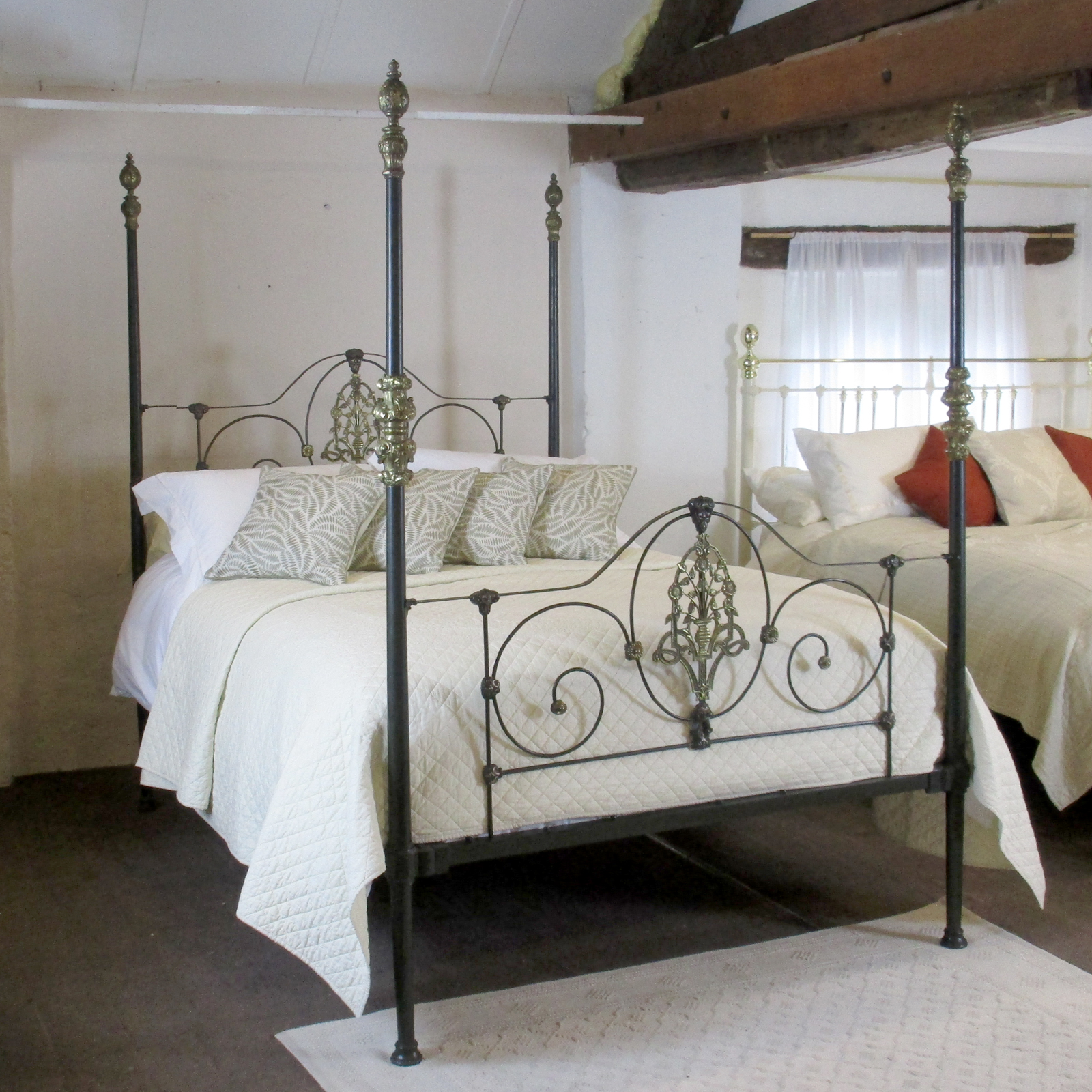 Cast iron four poster bed m4p11 - Bedspreads for four poster beds ...