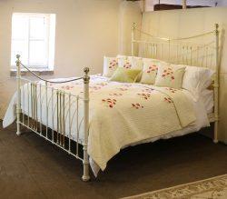 6ft-Wide-Cream-Bed-MSK37