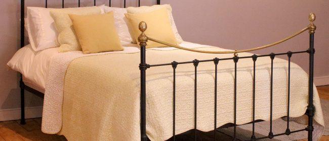 Black Antique Bed – MK245