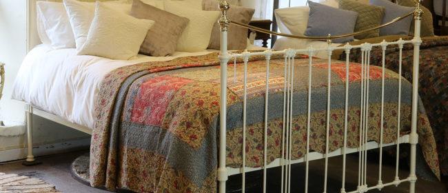 Cream Antique Bed – MK192