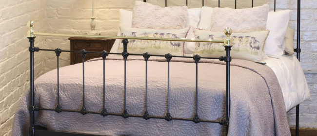 Cast Iron and Brass Bed in Black – MD90