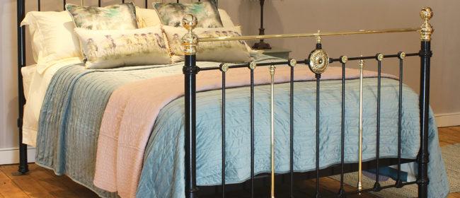 Black Antique Bed – MK203