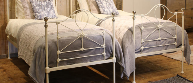Pair of Cream Beds – MPS36