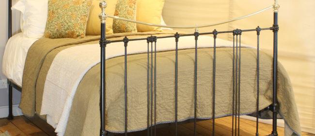 Black Art Nouveau Brass and Iron Bed MK220