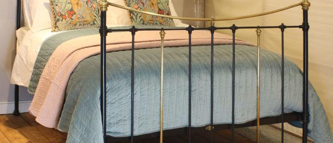 Black Antique Bed – MK216