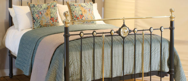 Decorative Dark Grey Antique Bed MK217