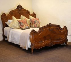 Kingsize-Walnut-Louis-XV-Antique-Bed-WK141