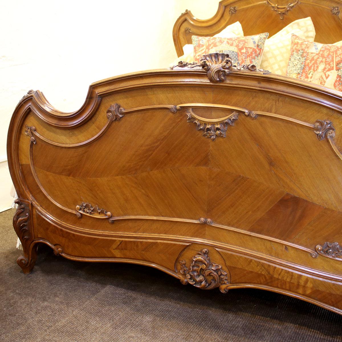Kingsize-Walnut-Louis-XV-Antique-Bed-WK141