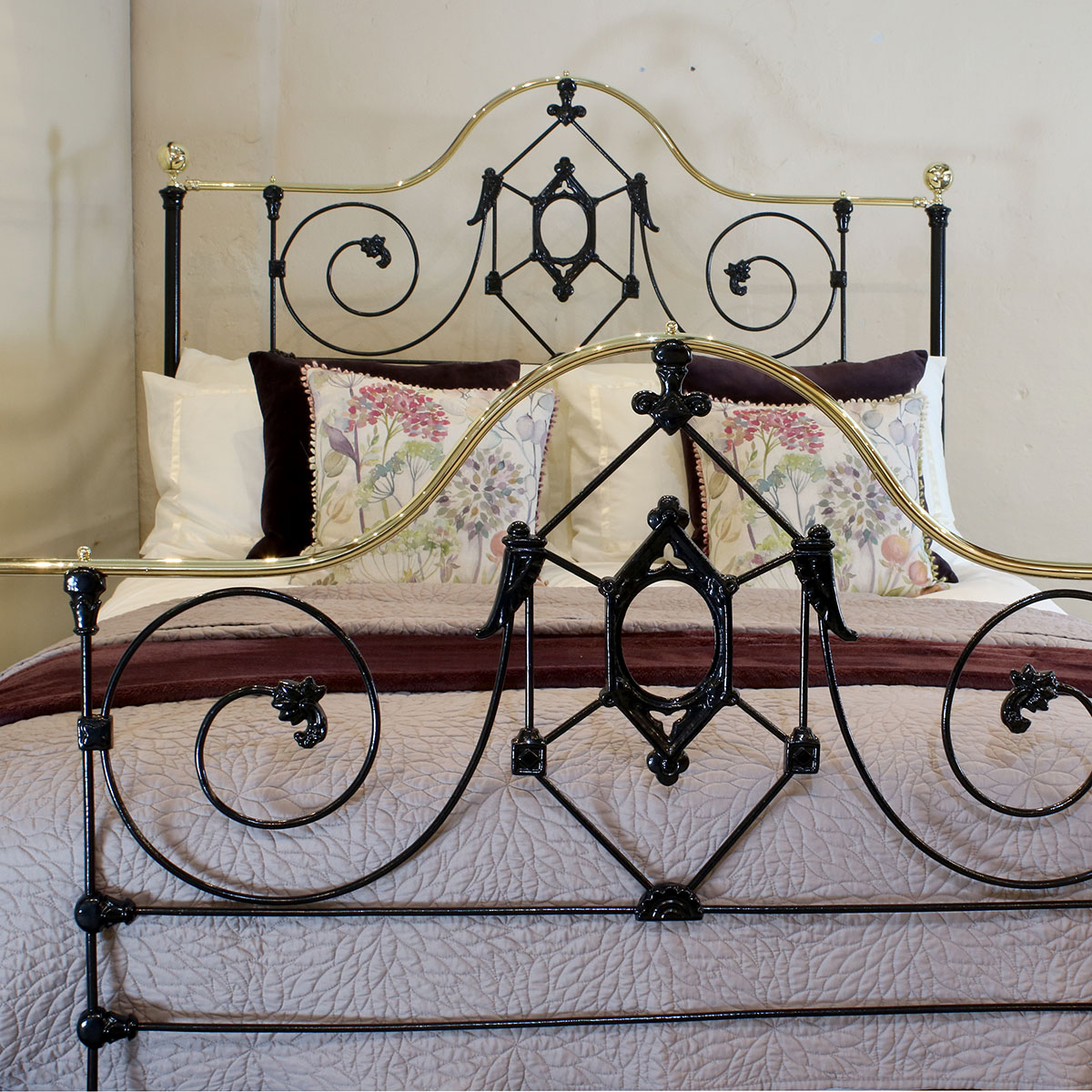 5ft-Cast-Iron-Bed-MK210