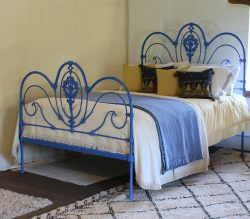 Cast_Iron_Victorian_Blue_5ft_Antique_Bed_MK204