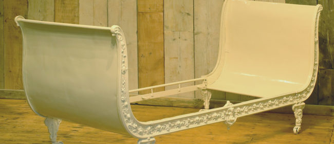 Cast Iron Daybed in Cream MS42