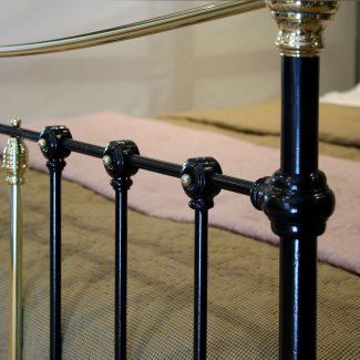 5ft-Black-Curved-Top-Victorian-Antique-Bed-in-Black-MK228