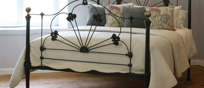 5ft Mid Victorian Cast Iron Antique Bed MK226