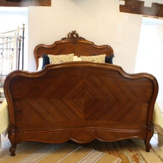 5ft-Walnut-Louis-XV-Style-Antique-Bed-in-Walnut-WK147