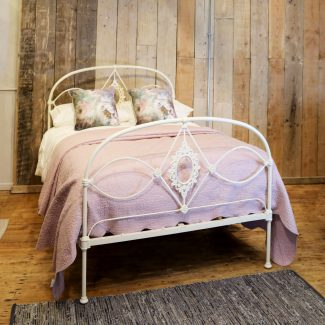 Cream-Mid-Victorian-Antique-Double-Bed-With-Curved-Top-Rail-MD100-1