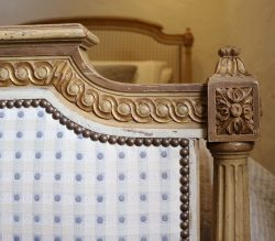 King-Size-Louis-XVI-Upholstered-Antique-Bed-WK154