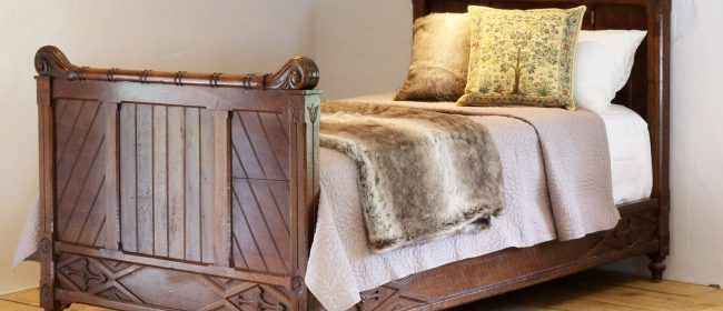 Gothic Style Single Walnut Antique Bed WS12