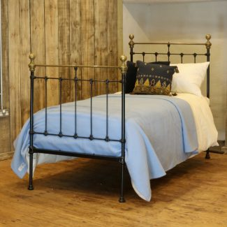 Black-Straight-Top-Rail-Antique-Single-Bed-MS50
