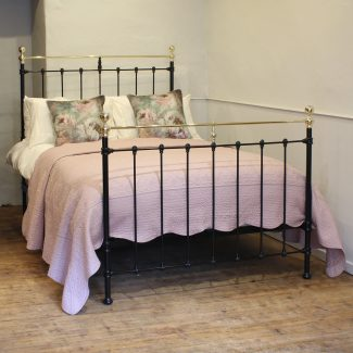 Double-Antique-Bed-in-Black-MD107
