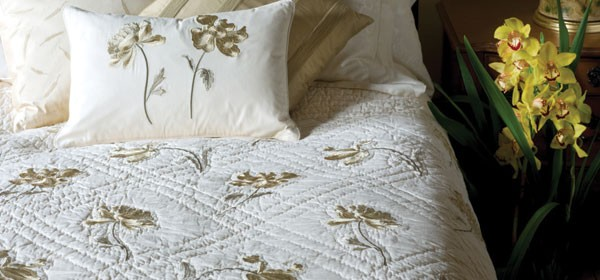 embroidered-quilt-link