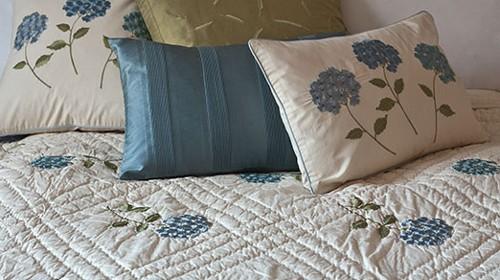 Hydrangea Azure Quilt