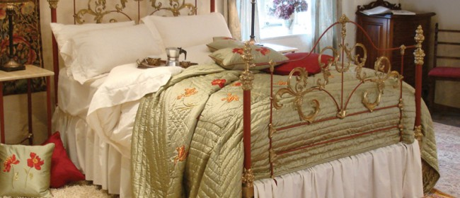 Red Tangier Bed – TANR1