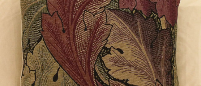 Tapestry Cushion – Acanthus Leaves