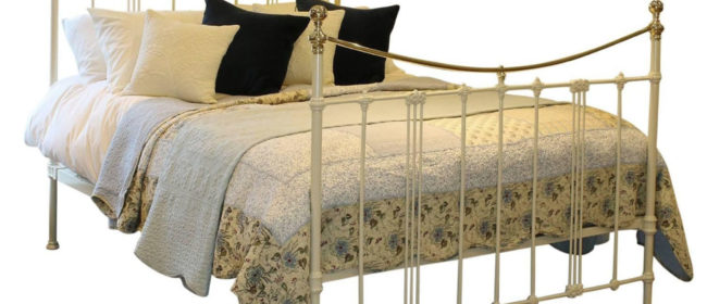 Art Nouveau Bed in Cream – ART2