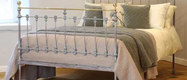 Antique Brass and Iron Bed in Blue Verdigris – MD96
