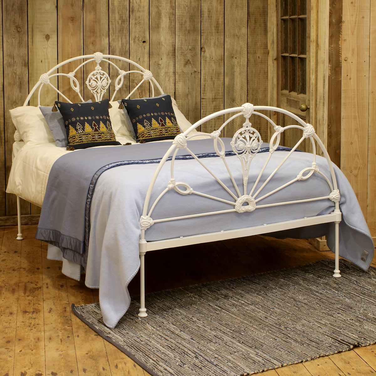 Cast-Iron-Winfield-Antique-Bed-MD95-1