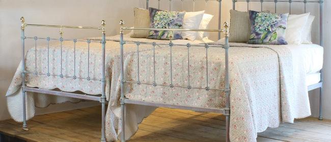 Matching Pair of Verdigris Antique Beds MPS41