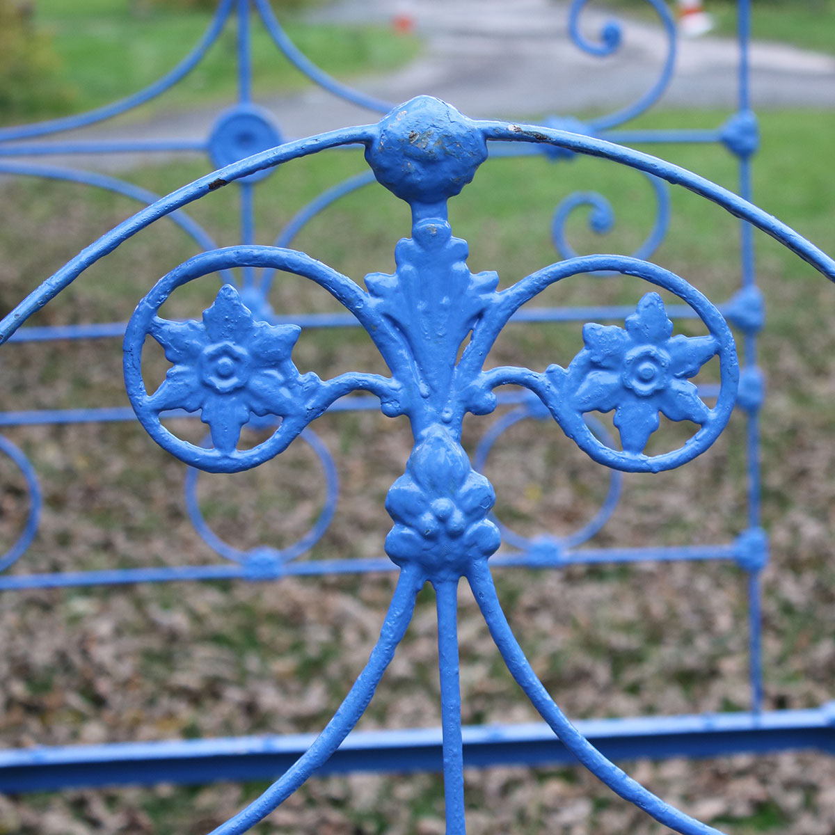 5ft-Wide-Blue-Four-Poster-Antique-Bed-M4P31