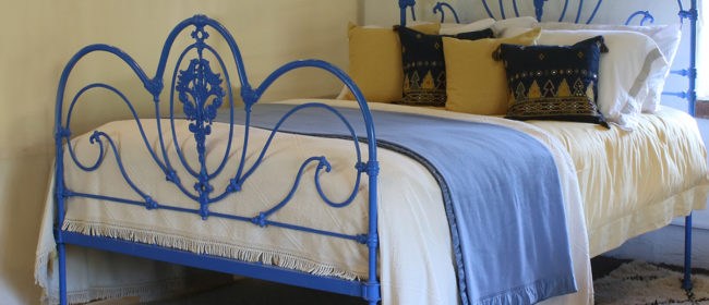 Blue Curly Iron Victorian Antique Bed MK204