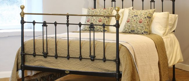 Brass and Iron Bed in Black – MD97