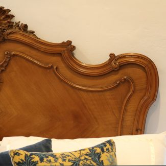 5ft-Louis-XV-Style-Antique-Bed-WIth-Garland-Design-WK150-1