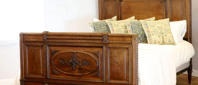 Edwardian Solid Walnut Antique Bed WK151