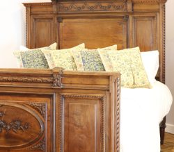 Renaissance-Style-French-Antique-King-Size-Bed-WK151-1