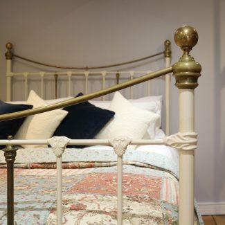 Cream-King-Size-Victorian-Antique-Bed-MK231