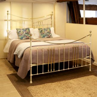 Super-King-Cast-Iron-Antique-Bed-in-Cream-MSK67-1