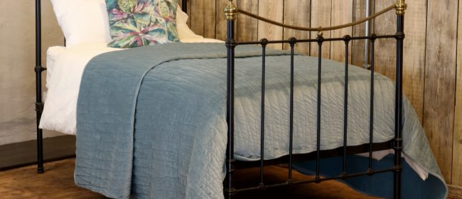 Black Curved Top Rail Victorian Single Antique Bed MS45