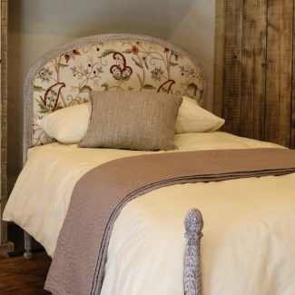 Upholstered-Antique-Painted-Bedstead-WS14