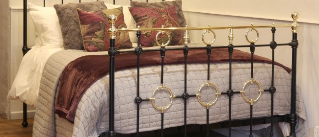 Black Victorian Brass And Iron Bedstead With Brass Circles MD105
