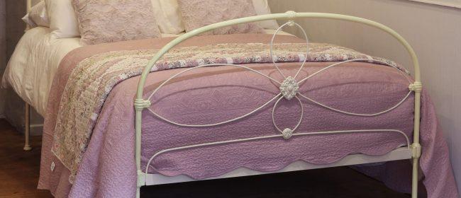 Cream Victorian Cast Iron Bedstead With Hoop Over Design MD106
